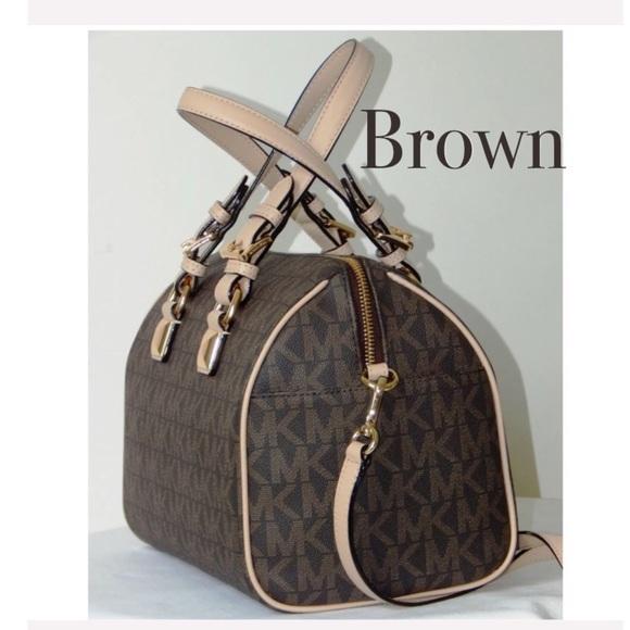 Michael Kors Handbags - Authentic Michael Kors Signature GRAYSON satchel
